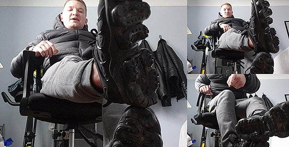 SCALLY CHAV MASTER - FAGBASHING - NIKE SNEAKERS HUMILIATION - SPIT AND GOB