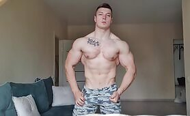 Flexing session with the Muscle Master